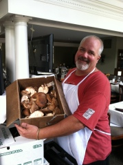 Chef Ref Lawrence Willard show off the perfect fresh Fogwood Shiitakes