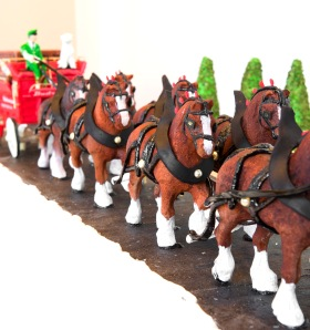 Gingerbread_Lane_2012_007-1